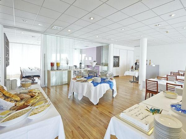 Enjoy a breakfast buffet at Icelandair Hotel Herad.