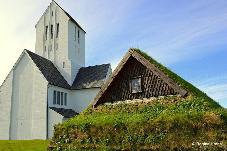 Þorláksbúð and Skálholtskirkja