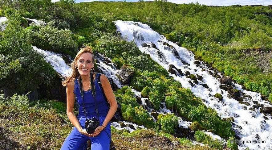 Regína by Hólmárfossar waterfalls in Jökulsárgljúfur canyon