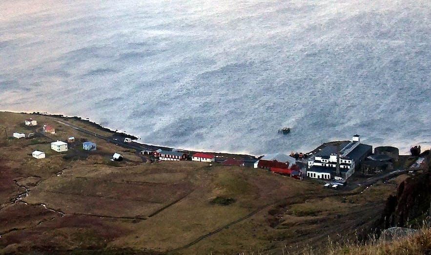 迪尤帕维克是冰岛西峡湾地区的一座城镇