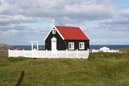 1920px-Papey_island%2C_church_%286956840255%29.jpg