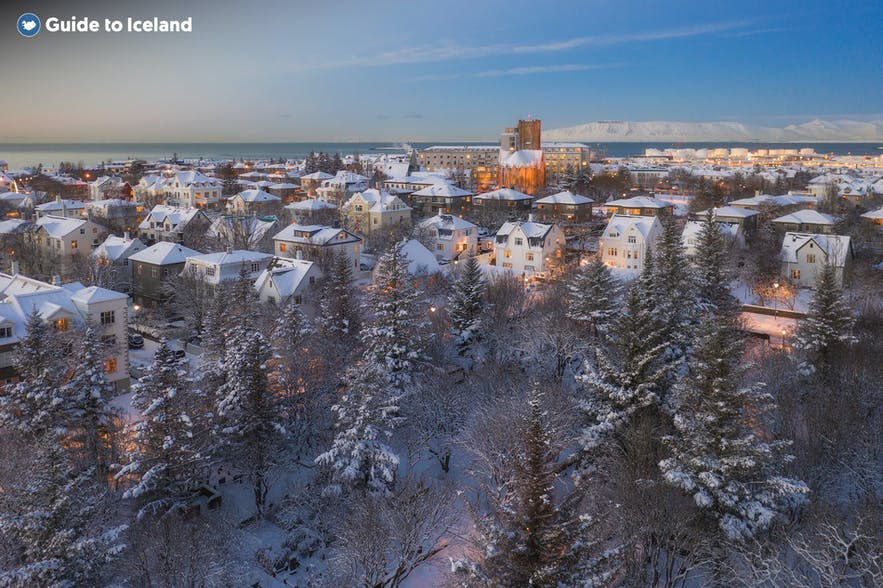 冰岛三月依然还在冬季,需要穿的暖和一些