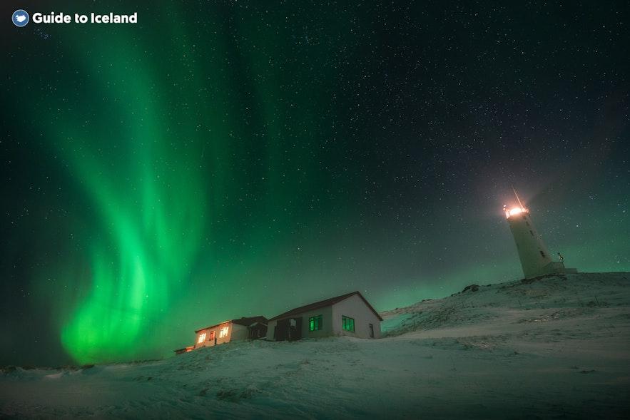3月来冰岛自驾,每天晚上都可以在住宿地附近光污染小的地区等候北极光的出现