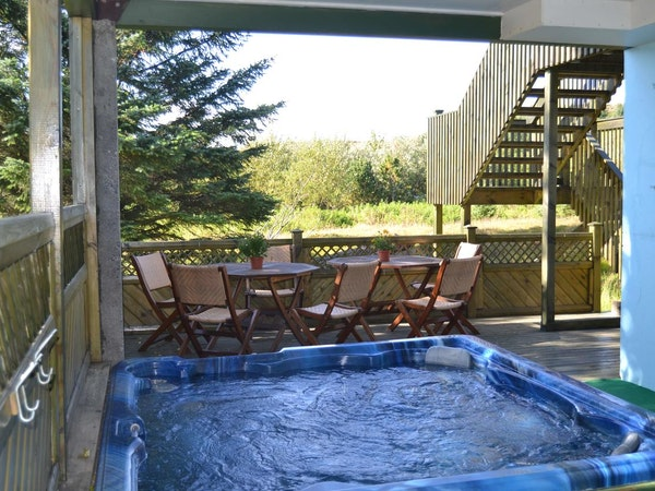 Hotel Stadarborg has a hot tub on site