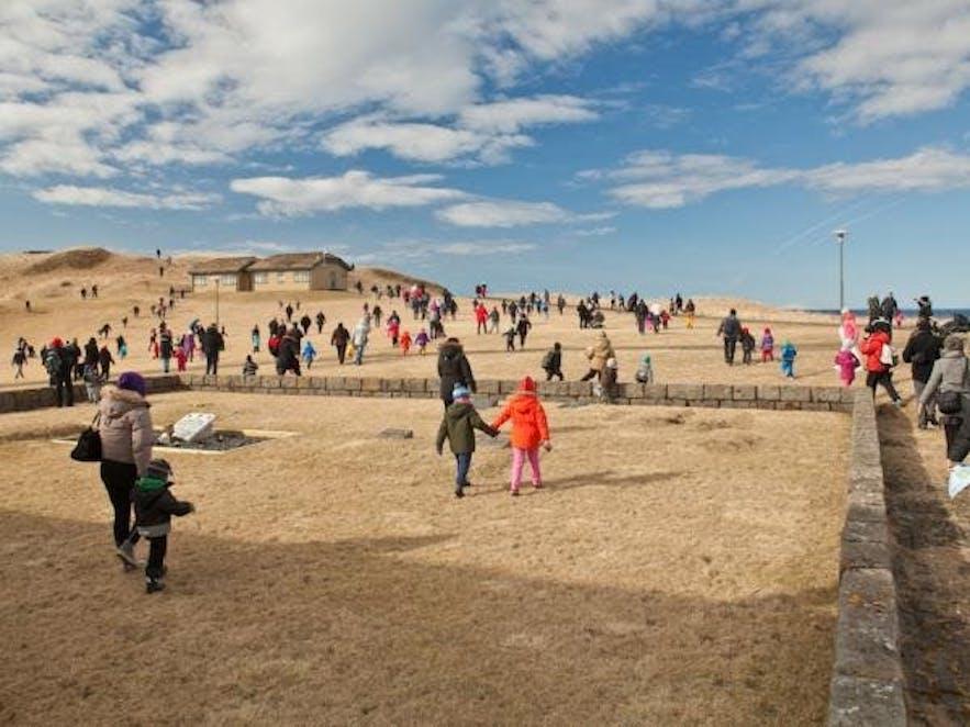 冰岛复活节假期-寻复活节蛋文化活动