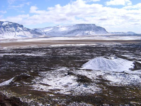 Snowy landscapes surround Snorrastaðir.