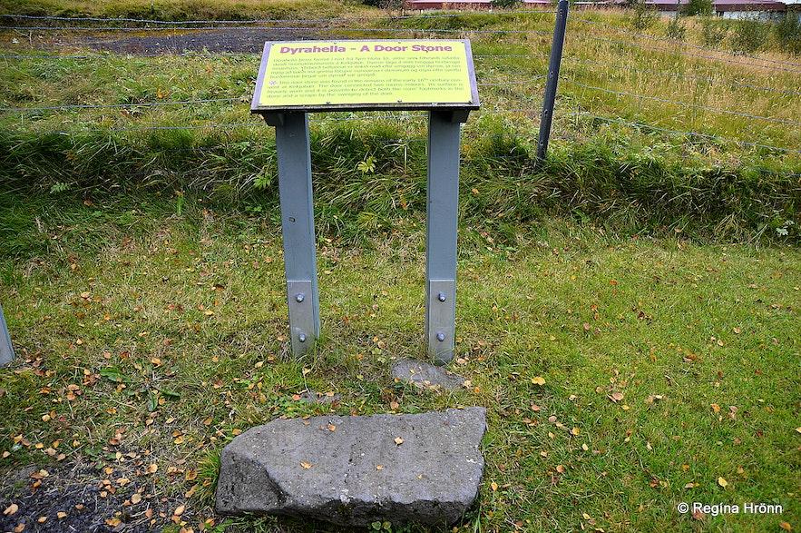 The stone at Kirkjubæjarklaustur with the footprints of the nuns