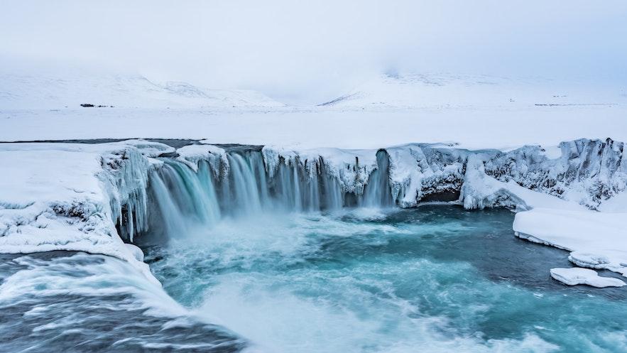 冰島眾神瀑布