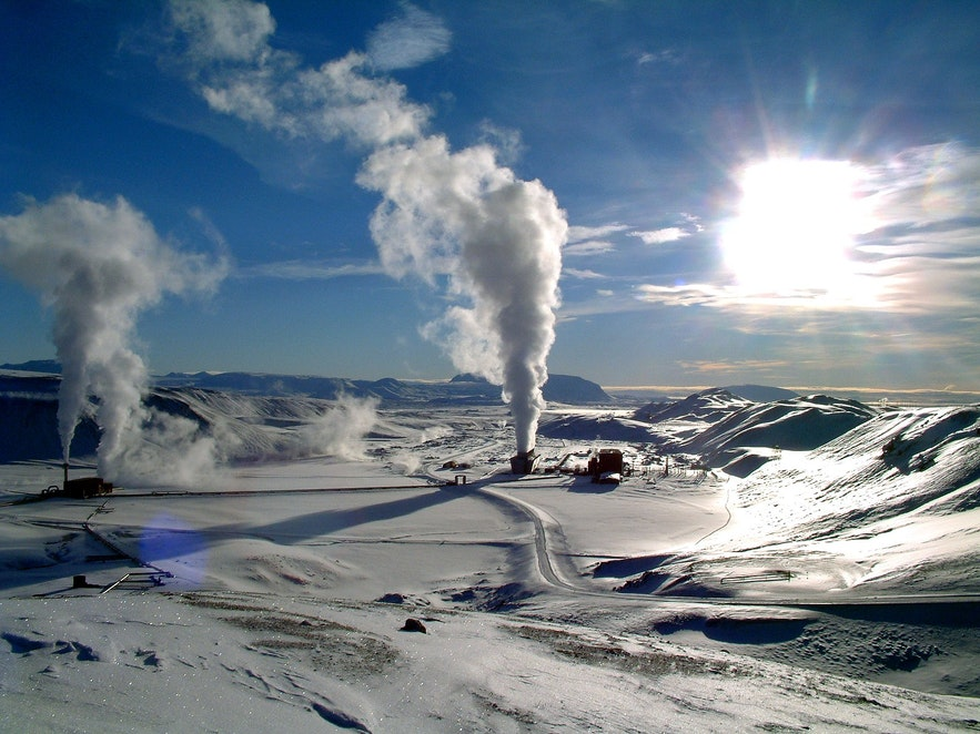 There are many power plants around Iceland.