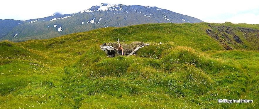Regína inside ruins at Einarslón Snæfellsnes
