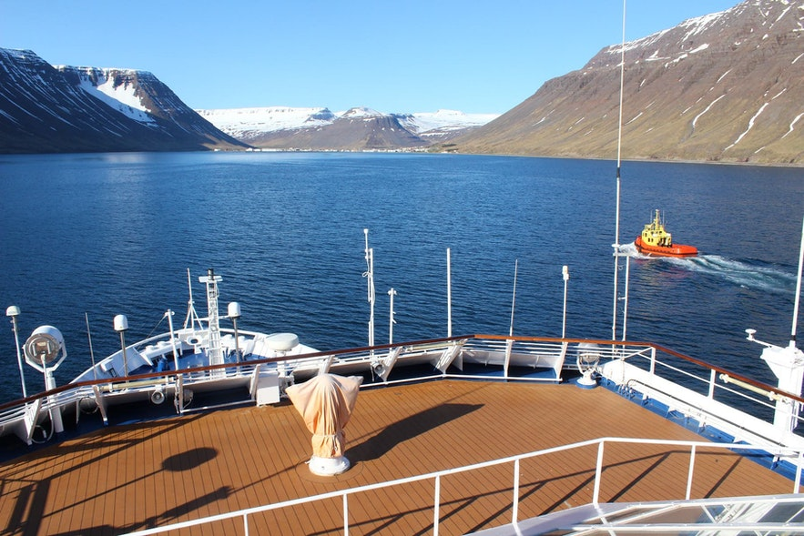 Ocean Travel is one of the most unique ways to circumnavigate Iceland.