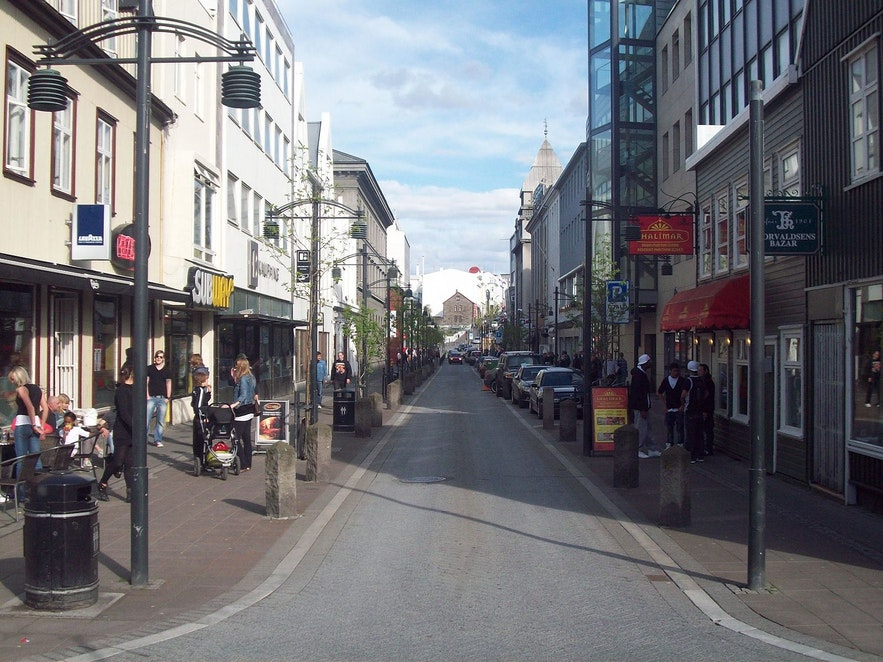 Photo taken from the end of Austurstræti.