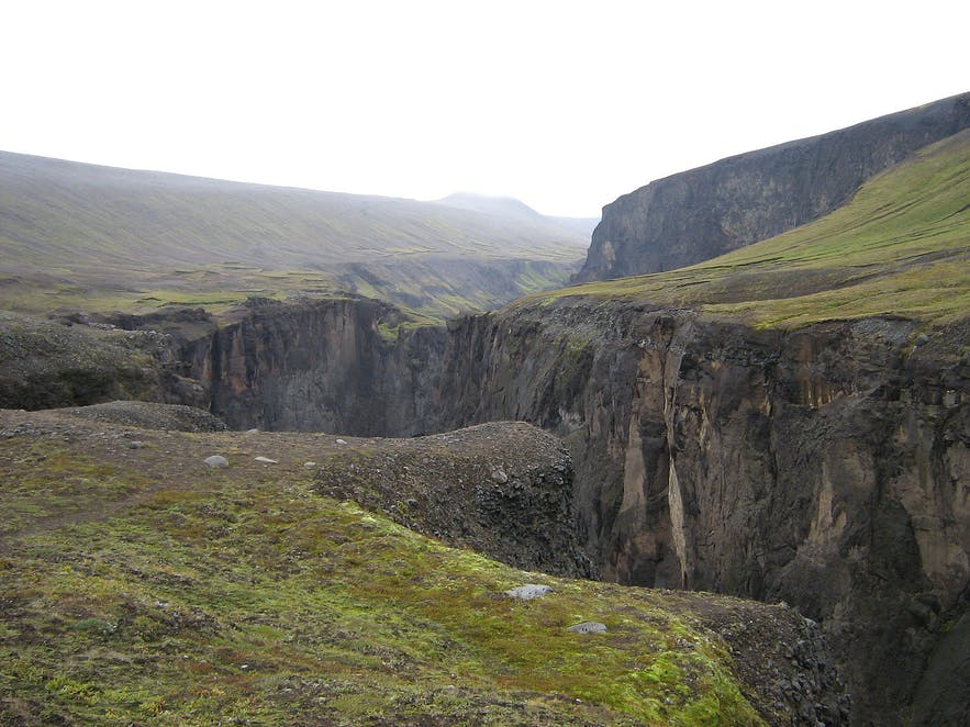 Laugavallalaug hot spring waterfall in East Iceland are near Hafrahvammagljúfur.