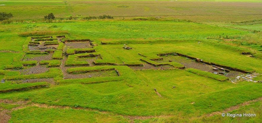 Gufuskálavör on Snaefellsnes peninsula in West Iceland has archaeological sites.