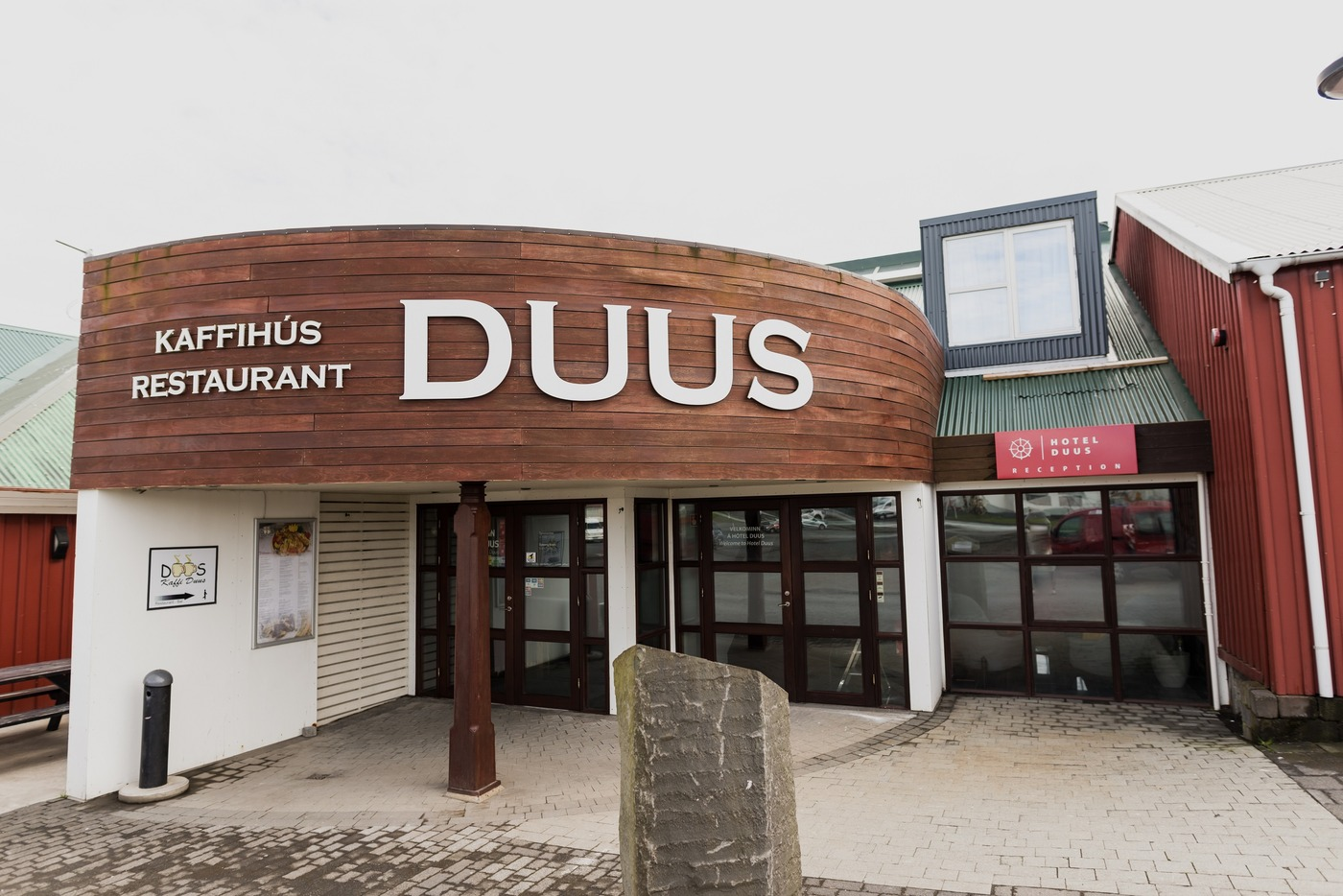 Hotel Duus is located on the shores of Reykjanes.