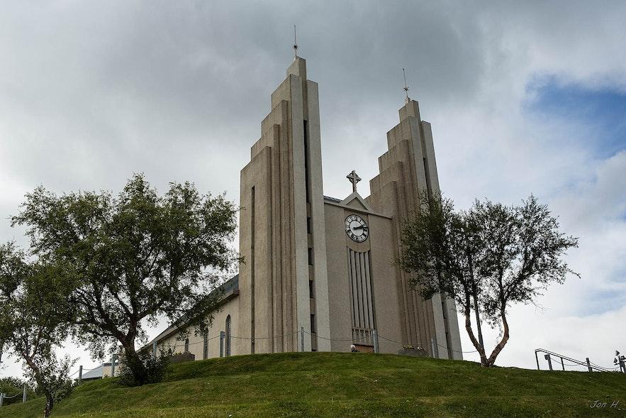 Akureyri has a striking church.