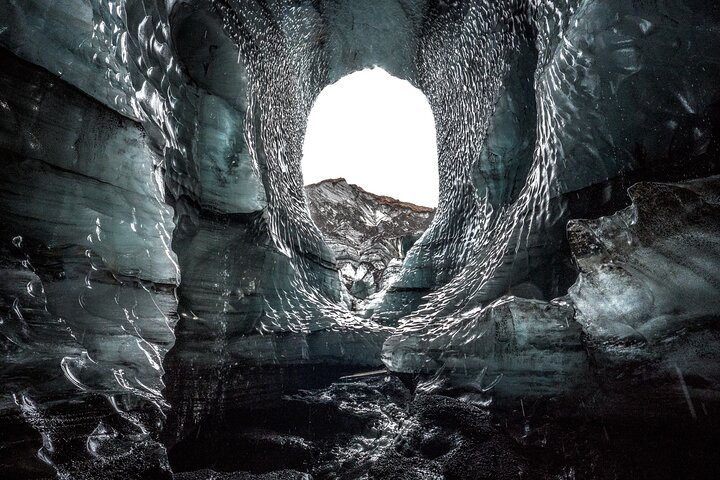 The entrance to the Katla Ice Cave.