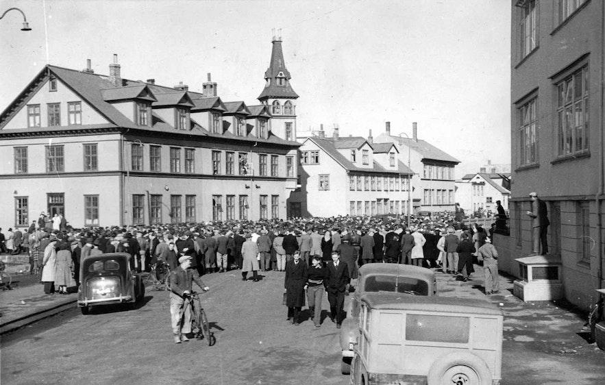 Icelanders protesting NATO's Presence in the 1940s.