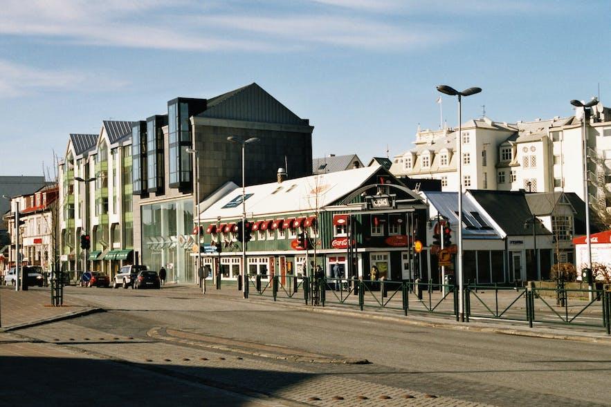 Mæðragarðurinn is located on Reykjavik's Laekjatorg.