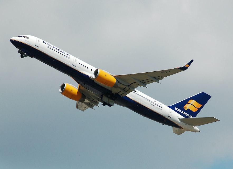 An Icelandair flight leaving Keflavik.
