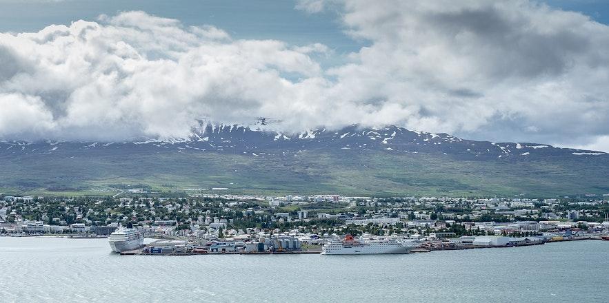 The seas surrounding Akureyri provide stunning views.