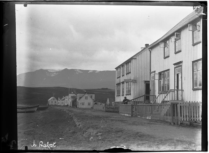 A home in Akureyri, photographed in the 1900s.