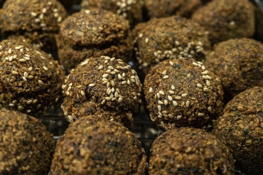 Falafel and hummus meals are popular amongst vegetarian, vegans and omnivores alike from Mandi.