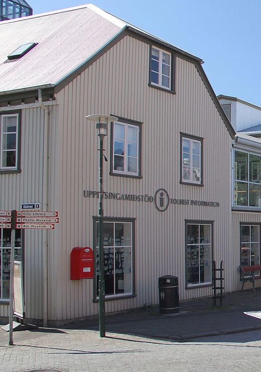 Akkurat stands in an old tourist information centre.