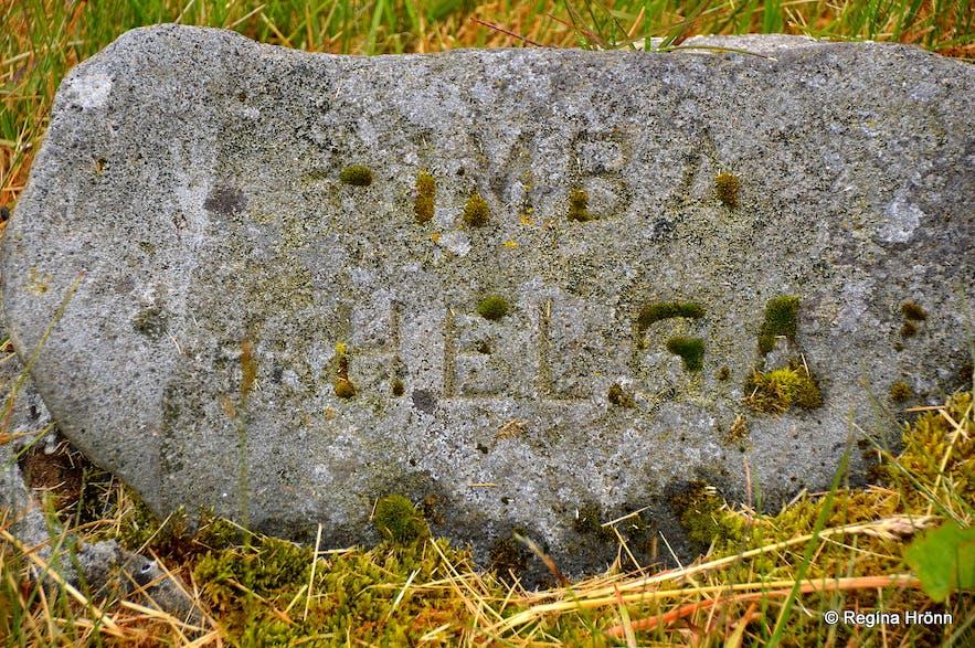 The grave of Regína's great-aunts in Ólafsvík