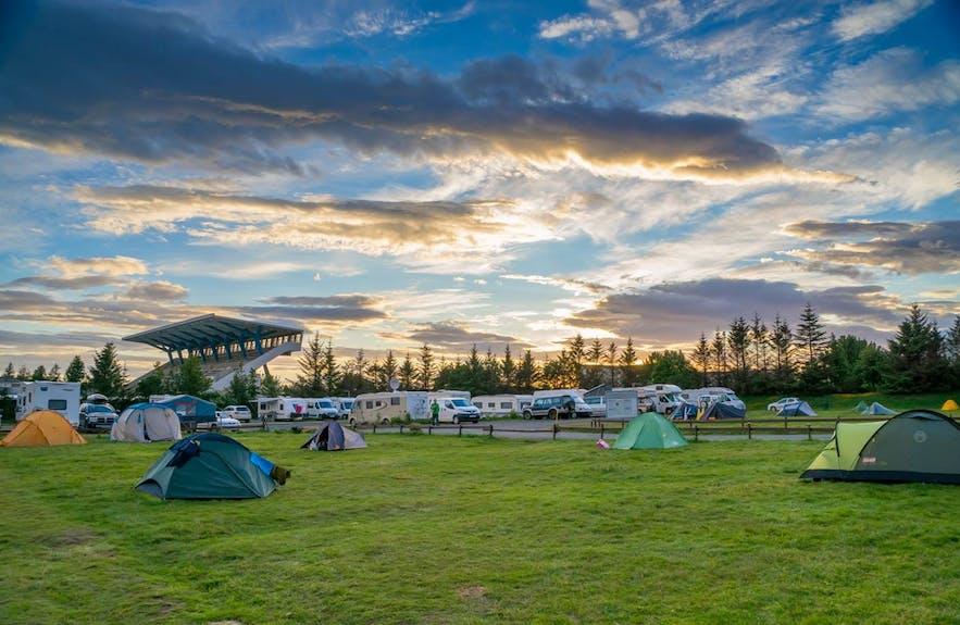 冰岛雷克雅未克的露营地位于Laugardalur公园