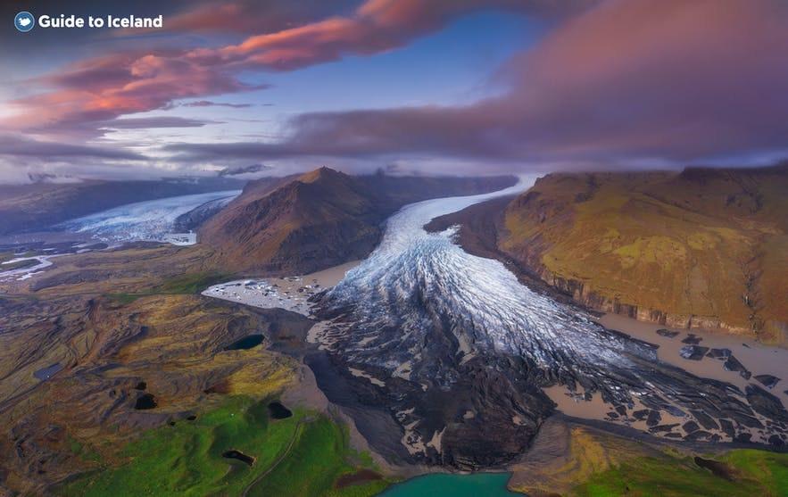 Skaftafell has several glacier tongues.