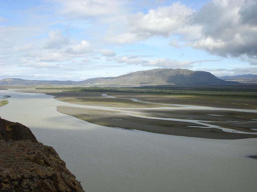 The river Thjorsa runs through South Iceland.