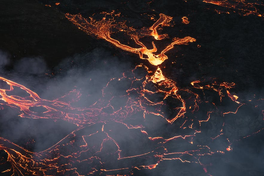 A night time view of the lava rivers of Geldingadalur volcano.