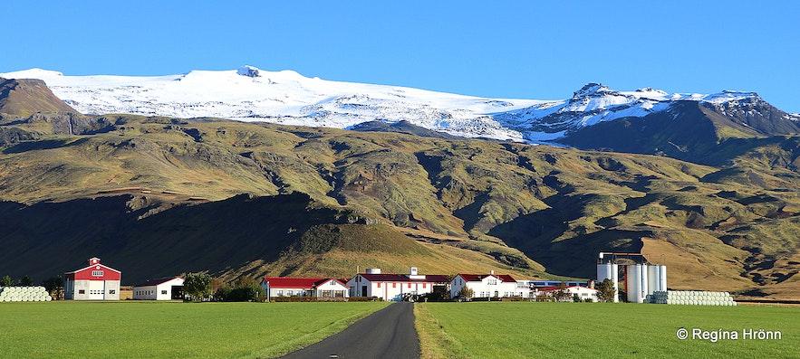 Þorvaldseyri farm and Eyjafjallajökull glacier South-Iceland
