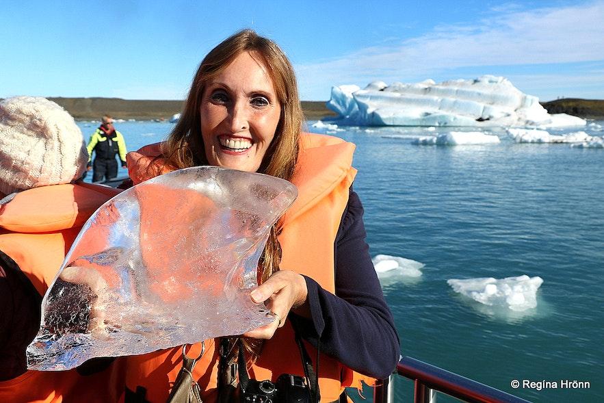 Regína on a glacial lagoon boat ride