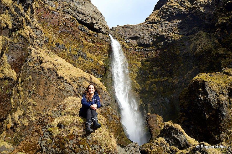 Regína by Íráfoss waterfall