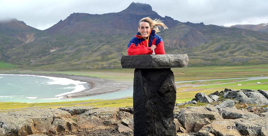 Regína by the view-dial on Álfaborg in Bakkagerði