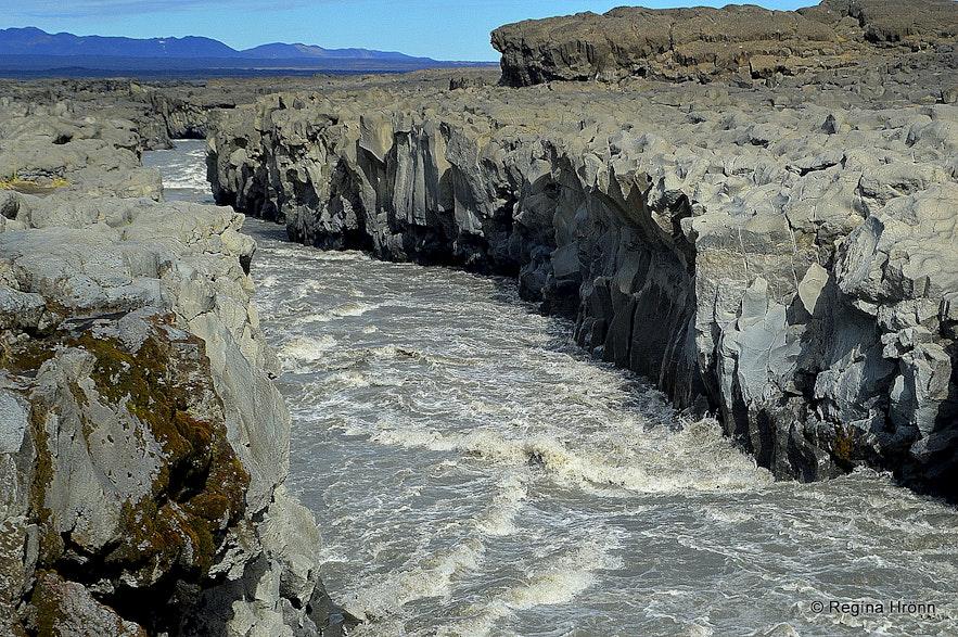 Jökulsá á Fjöllum by Gljúfrasmiður waterfall