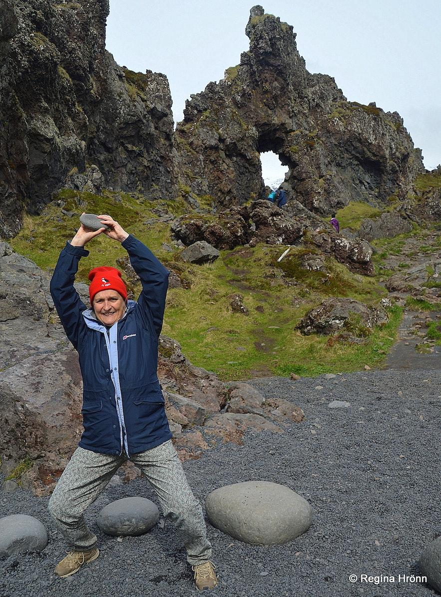 The lifting stones at Djúpalónssandur
