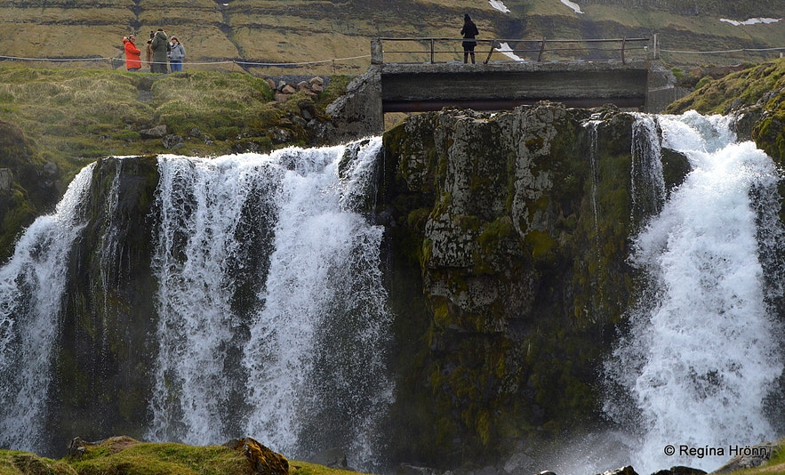 Kirkjufellsfoss and the old bridge at Snæfellsnes