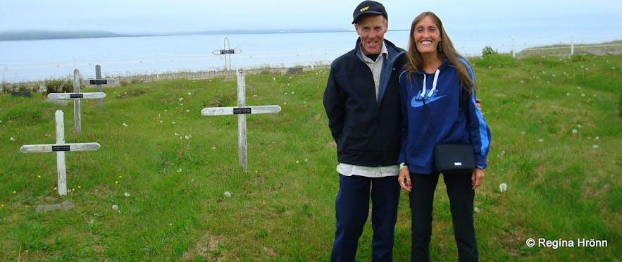 Regína with her relative Kristinn at Kverná by the graves of their ancestors
