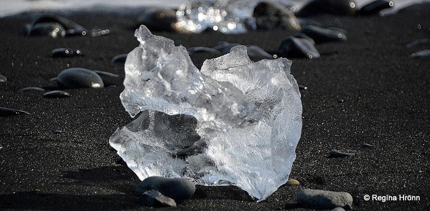 Glistening ice on the ice diamond beach