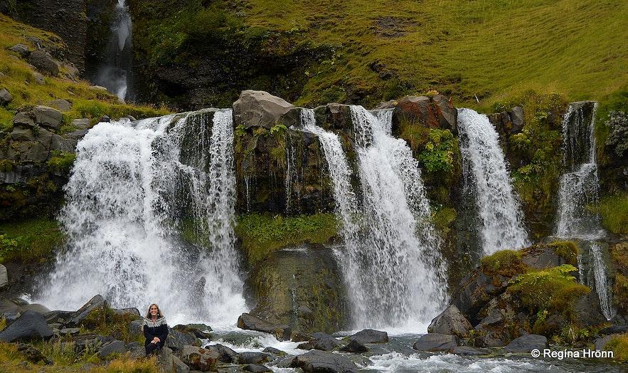 Regína by Gluggafoss waterfall
