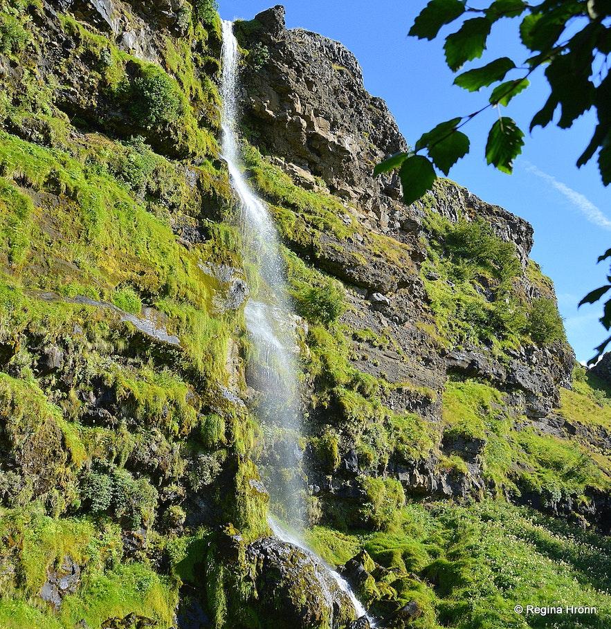 A waterfall in Þorsteinslundur grove